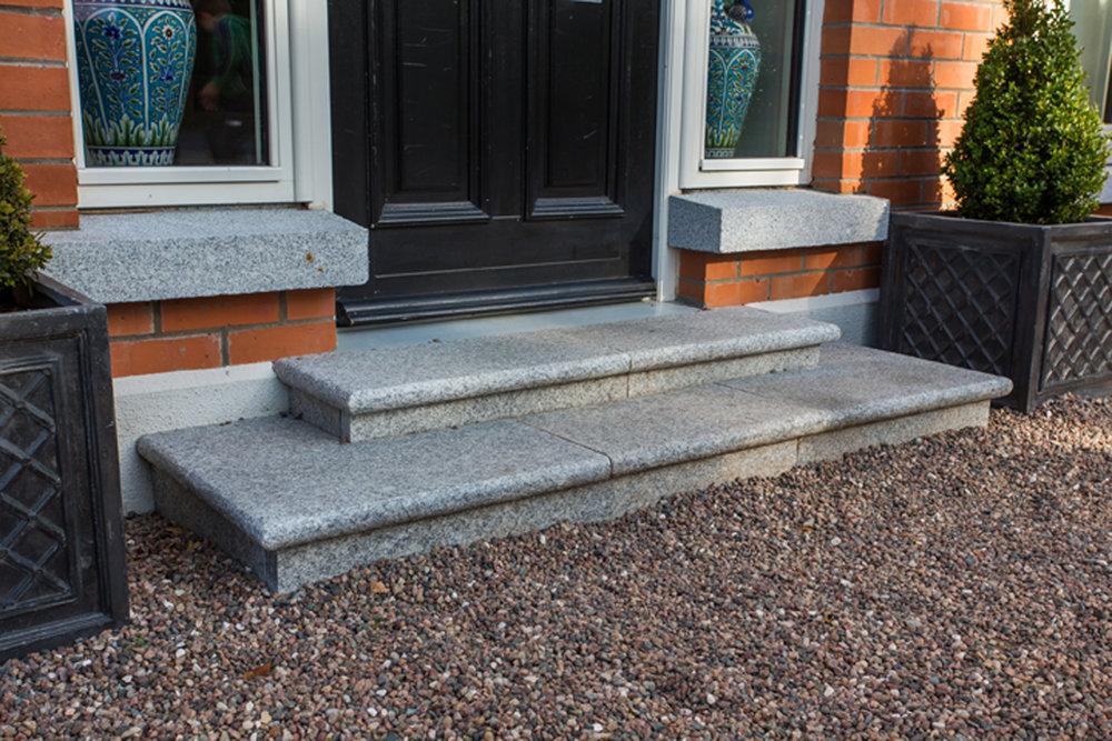 front-steps-exterior-priory-avenue-design.jpg