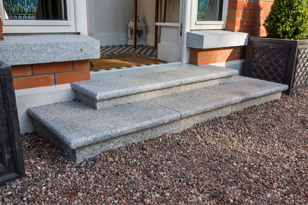 front-steps-garden-exterior-priory-avenue-design.jpg