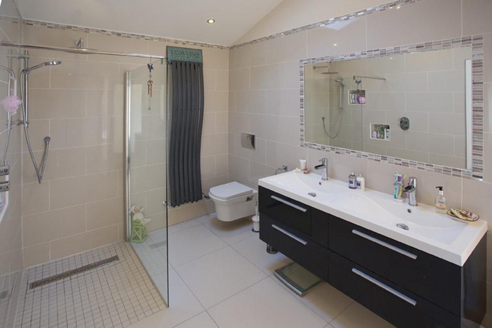 bathroom-design-contemporary-maynooth-house.jpg