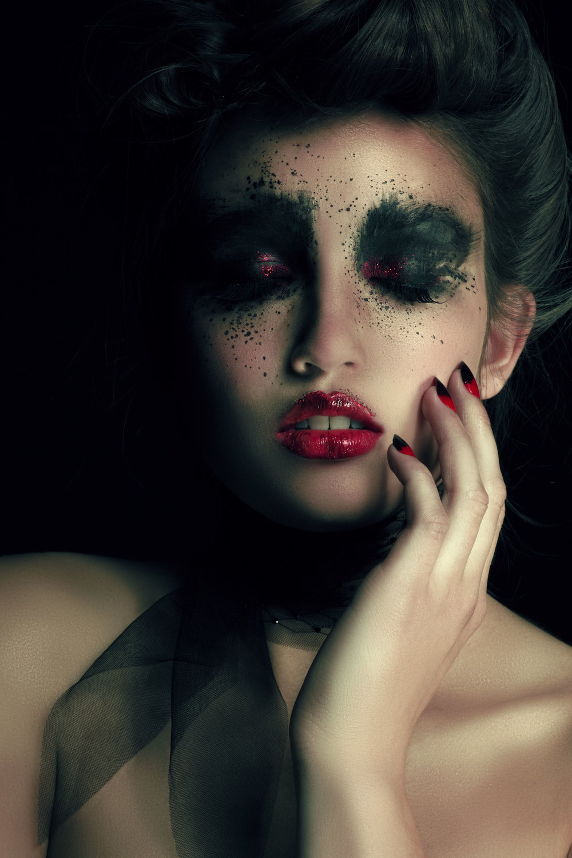 Moulin Rouge_by_Caspar Arnhold_mastered_retouch 1.jpg