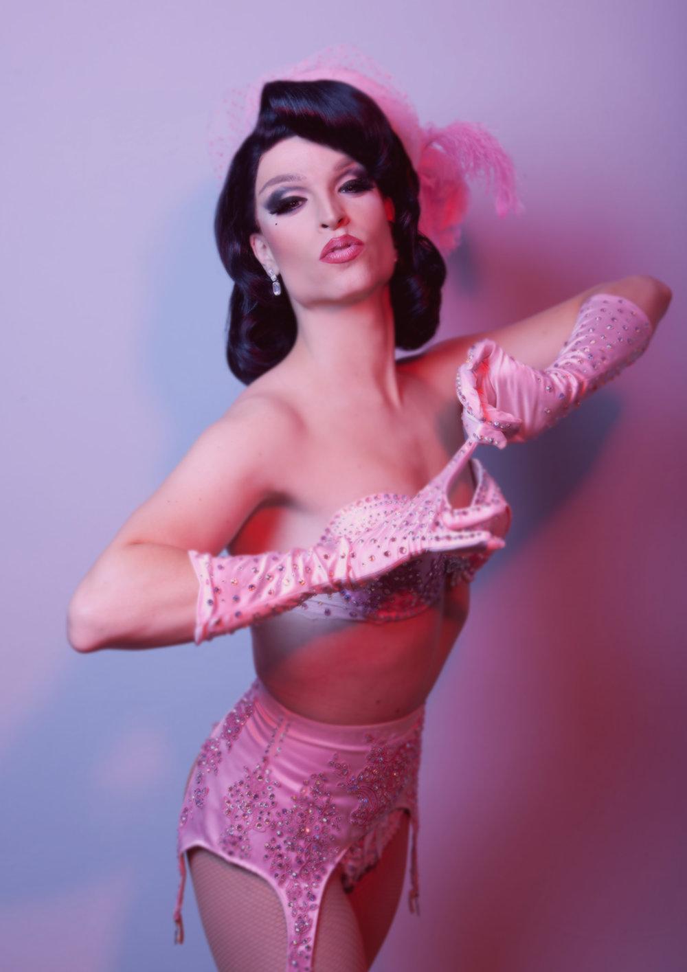 Tamara-Burlesque-Kiss.jpg
