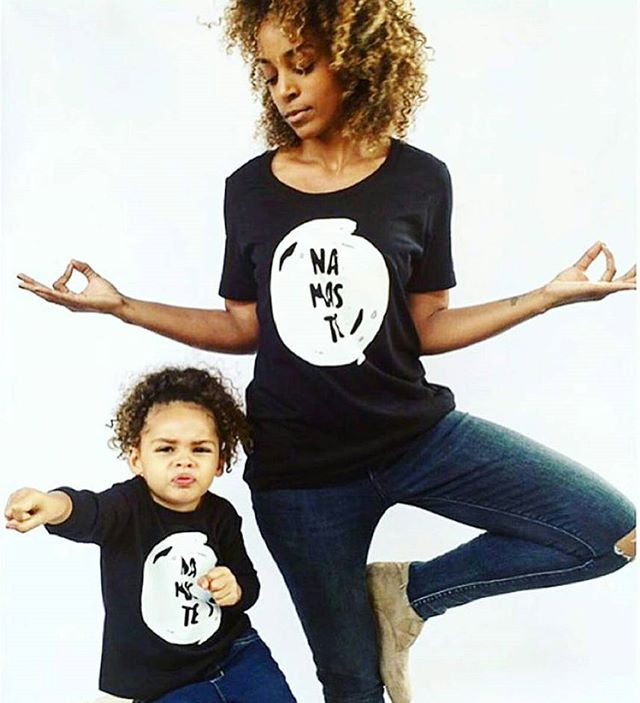 ❤ this . . . 📷 @consciouskids . . #mum #mumlife #mothers #mumsgroup #parenting #parentinglife #mom #momlife #rockingmotherhood #rockingmotherhoodshow #motherhood #childhood #childhoodunplugged #motherhoodunplugged #conciouskids #conciousmums #namaste #pose #motherhoodthroughinstagram #igmums #igkids #toddlerlife #healthykids #happykids #mummyblogger #mumblog