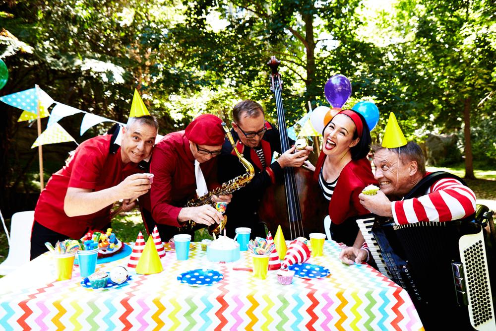 Lah-Lah-Big-Live-Band-turns-ten-Little-Rockers-Radio