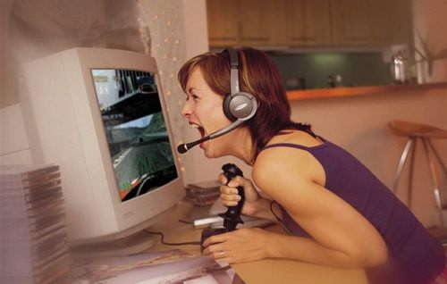 Even attractive women enjoy playing games (circa 1995)