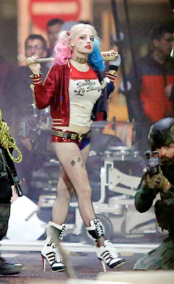 Photo of Margot Robbie on the set of 'Suicide Squad'
