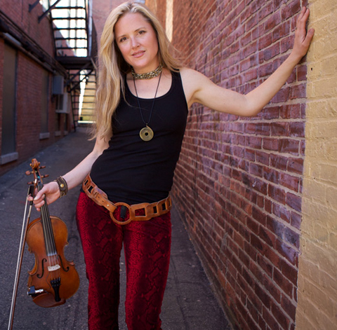 Joyce Anderson – Bridges all genres with fiery solo violin & vocals