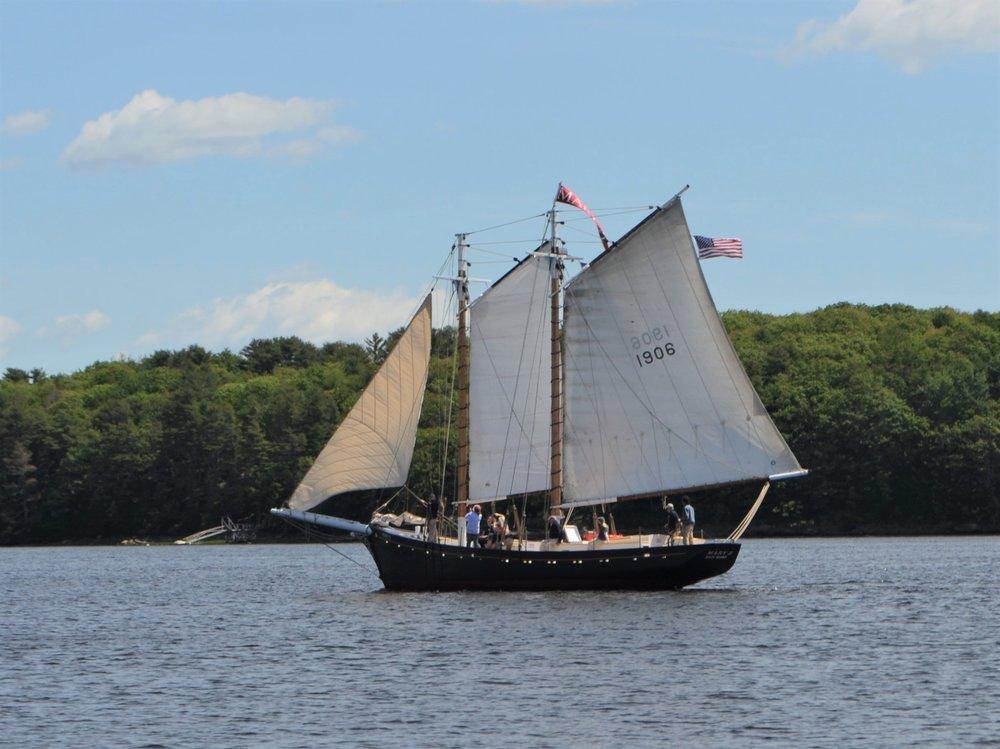 Mary E sailing.jpg