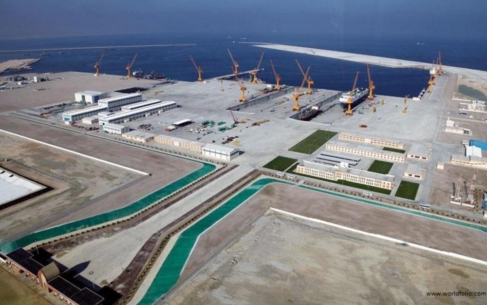 The big modern port in Duqm. Credit:  World Folio