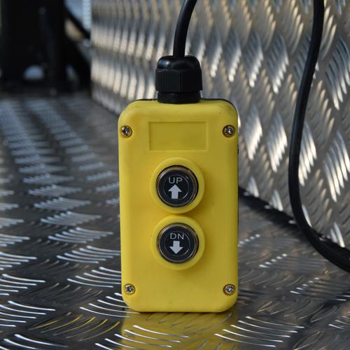 hydraulic-lift-control.jpg