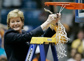 Pat Summitt clips another victory