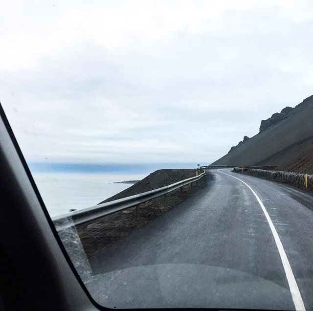 The driver's view on #Iceland 's Road1. #kukucampers #ukulele #roadtrips #roadglide #landscapephotography #butinacar