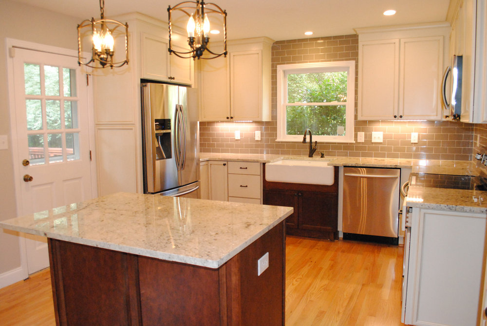 Gorgeous new kitchen with island and farmhouse sink!