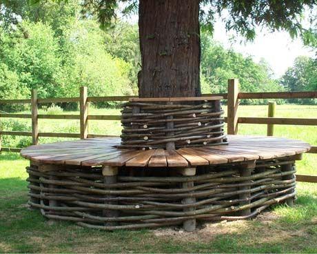 Wicker tree seat