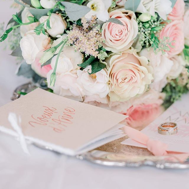 Memories from Anne + Martin's summer wedding, including these custom vow books that I made for @juno_photography. I used handmade paper from St. Armand, Montreal's local paper mill and my favourite hidden gem along the Lachine Canal. . . . Photography: @juno_photography, Planning: @foudamour_mtl, Invitations: @papiervelours, Vow books & calligraphy: @imaginejoy, Florals: @fleuristestjovite, Rentals: @lavieunefete @sofatogo, Venue: @tremblantliving . . . #moderncalligraphy #montrealwedding #montrealweddings #dailydoseofpaper #calligraphie #floraldesign #weddinginspiration #inspirationmariage #montrealcalligrapher #montrealcalligraphy #imacalligrafile #weddingcalligraphy #mariagequebec #madeinmontreal #faitamontreal
