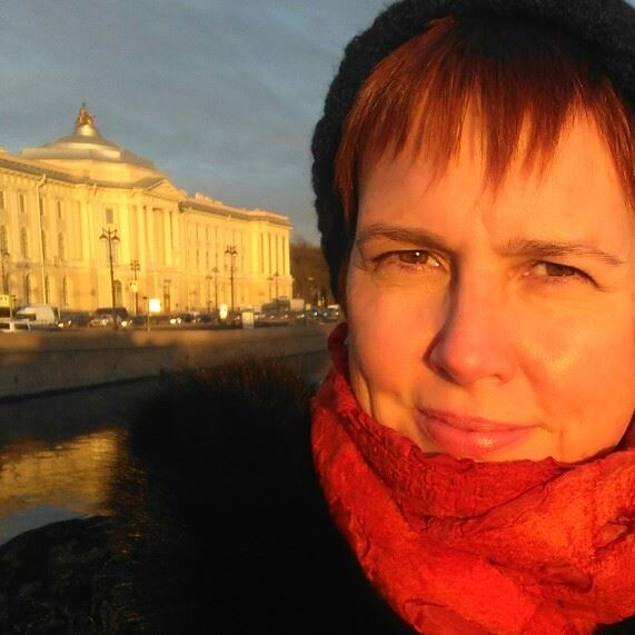 In front of the Russian Academy of Fine Art (the Repin) where I studied in 1990-1991 in the studio of Andrei A. Mylnikov. I love this place.