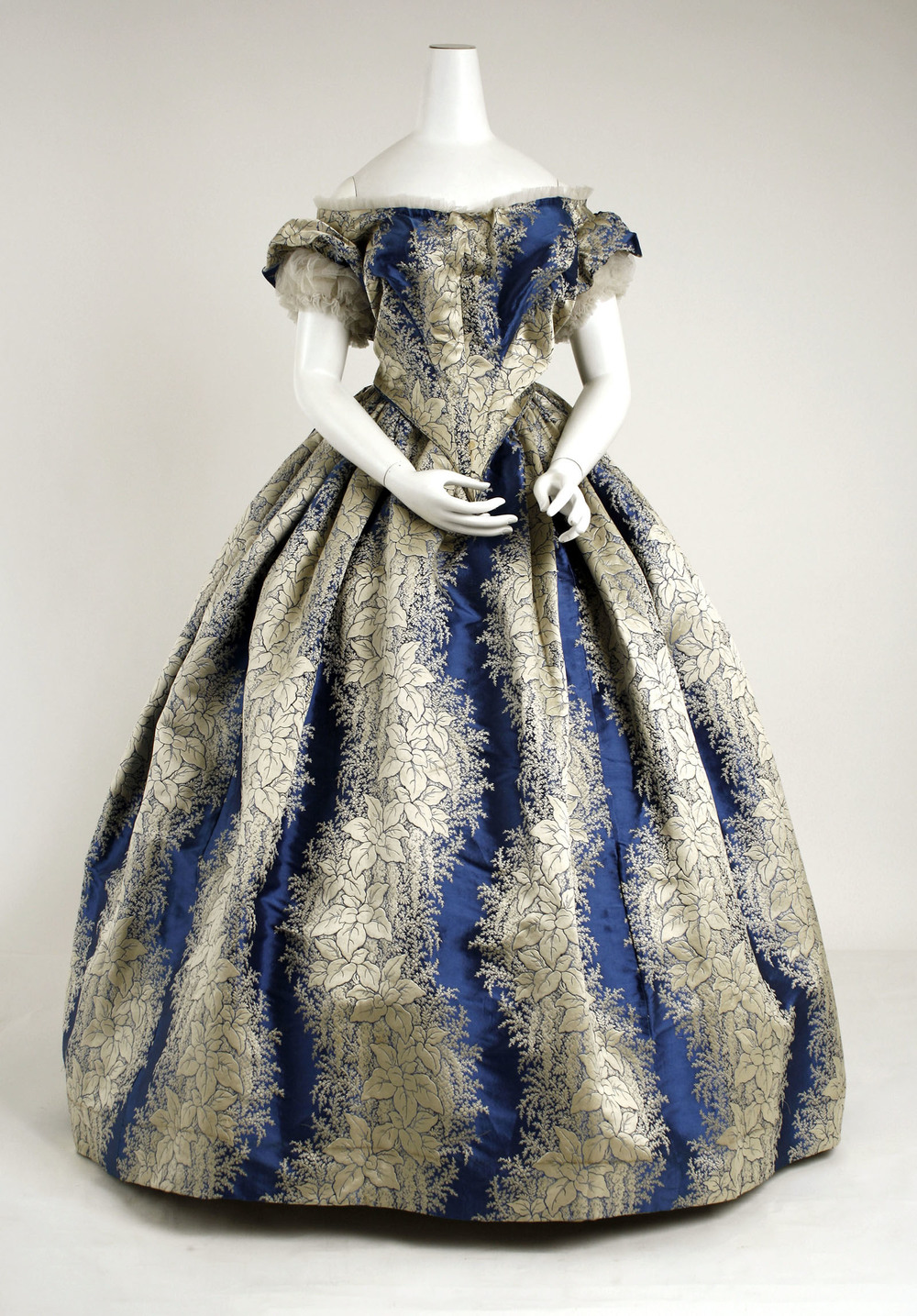 Evening dress, circa 1855-58, The Metropolitan Museum of Art, New York