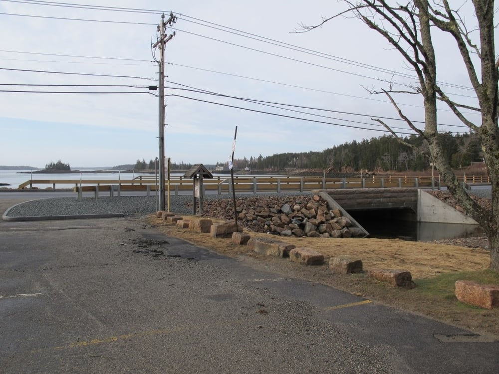 Remember the bridge-replacement project that diverted all traffic away from Seal Harbor last fall, during the final seven weeks of The Naturalist's Notebook season? Here's the sturdy-looking result. The road to the Notebook is open for 2012 and beyond.
