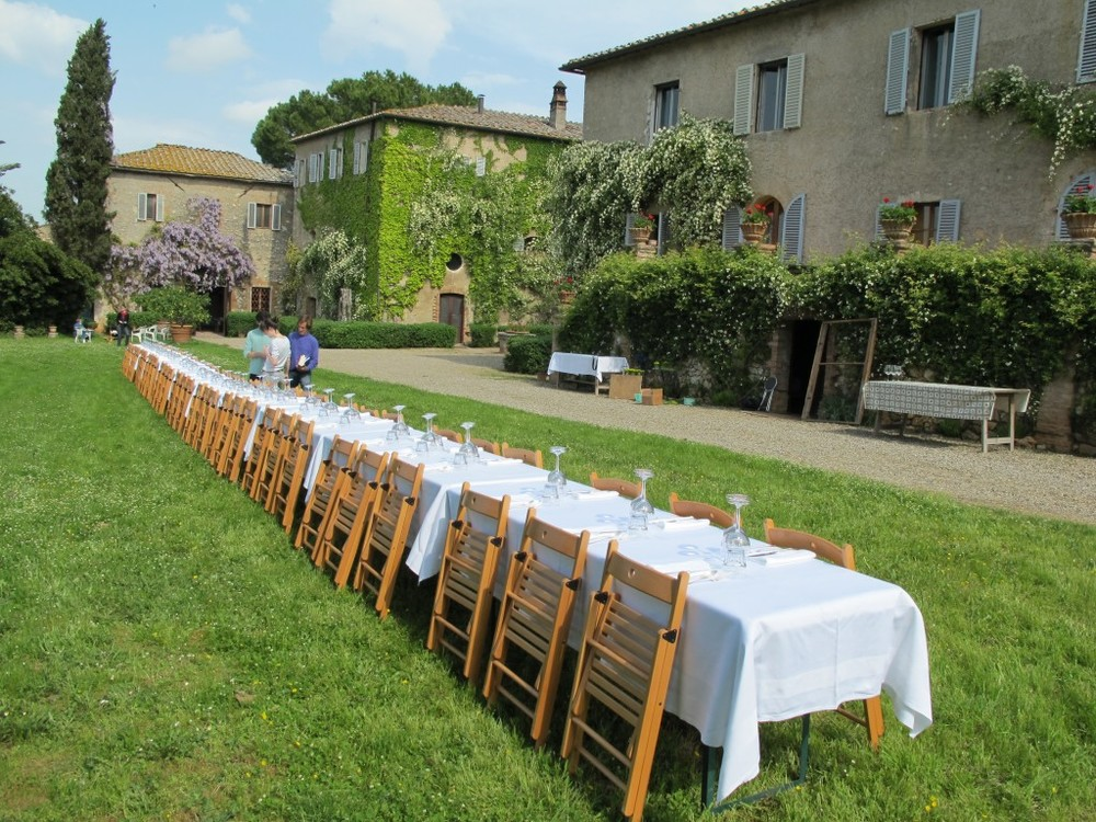 The Cavolfiori group also put on a meal for 60 on the lawn at Spannocchia.
