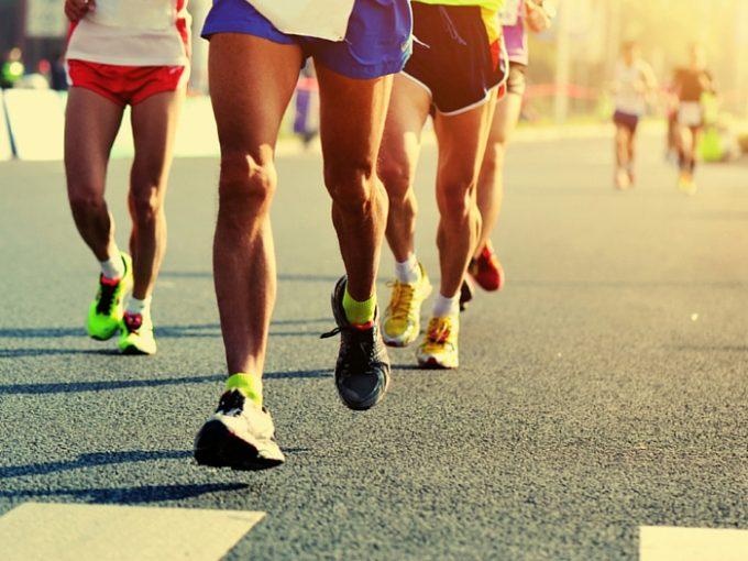 Uthållighet   Livet är många gånger som ett maratonlopp. Du har människorna som likt löparna vid startlinjen börjar springa det snabbaste de kan för att få en etappseger.När löpningen blir längre och intensivare förmår de inte hålla uppe tempot. Sen har du löparen som inleder med ett jämnt tempo och blir därför inte trött. Den personen orkar därmed mer. När de andra löparna drabbas av mjölksyra, får han extra energi att slutföra loppet på ett ihärdigt sätt. Livet handlar inte alltid om den som är snabbast vid dess början utan snarare om vem som är mest uthållig till slutet. Något värt att minnas är att med tålamod kan vilket mål som helst uppnås inom sinom tid.  - Hamon