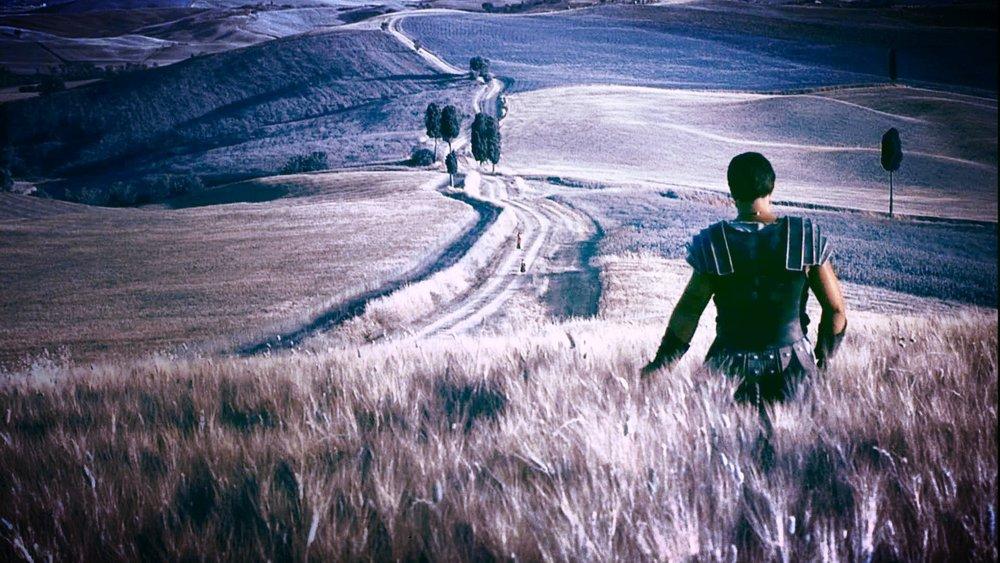 Gladiator   Livets kamp är likt ett gladiatorspel på Colosseum där du är gladiatorn. Efter att du gjort entré och efter att dörrarna till arenan stängts - är du helt ensam. Oavsett vad som väntar så har du endast dig själv att räkna med. Ingen annan kommer att finnas till hands för att inge styrka. Ingen annan kommer att strida din strid och ingen annan kommer heller att hjälpa dig upp när du skrapar botten. Om människor skjuter pilar mot din akilleshäl måste du förbli osårbar. Om ett lejon anfaller dig måste du överlista dess styrka. Om döden har som avsikt att väcka fruktan måste du överkomma dina inre rädslor. En gladiator som redan förlorat allt, hyser aldrig någon oro inför det som ska komma. Hur kan någon som genomgått det värsta bara kapitulera? Hur kan någon som överlevt hundra strider bara slå till reträtt? Du är en gladiator och en gladiator ger inte upp - inte ens om han måste offra sitt liv.  - Hamon