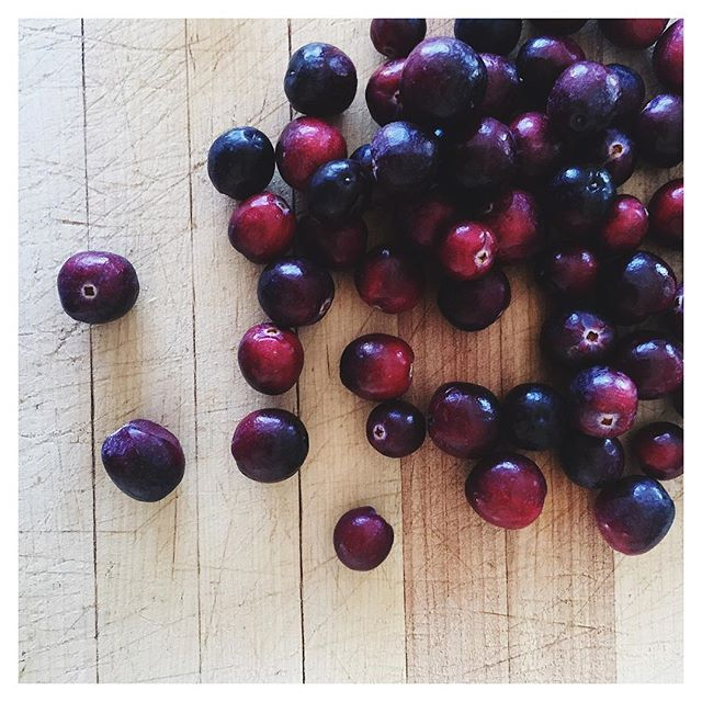 "Plagued by pesky UTI's? Feel like you're looking old and haggard? Perhaps it's time you give those Thanksgiving cranberries a second look. .. 1. Cranberries contain a specific phytonutrient (that you can ONLY find in cranberries) that helps keeps certain bacteria from sticking to the walls of your bladder - so no UTI's. YAY. .. 2. Cranberries have more antioxidants than blueberries and spinach! .. If you find that giggling gelatinous cube of ""cranberry sauce"" in the shape of a tin can less than appetizing, try this AMAZING and super easy recipe: .. - 12 oz cranberries (fresh or frozen) - Stevia (to taste) - 2 tbs orange zest - Juice of 1 large navel orange (approx ¼ cup juice) - ¼ cup + 2 Tbsp water .. 1. In a medium saucepan, add the cranberries, orange zest, orange juice and water. 2. Heat over medium to medium high heat, stirring occasionally, until the cranberries are soft - about 10-15 minutes. 3. Add stevia to taste and a pinch of sea salt.  4. Remove from heat. Allow to cool to room temp. For best results, refrigerate overnight before serving."