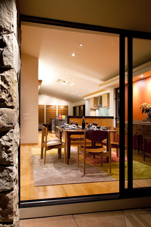 Interior_Dining_SantaBarbara_02.jpg