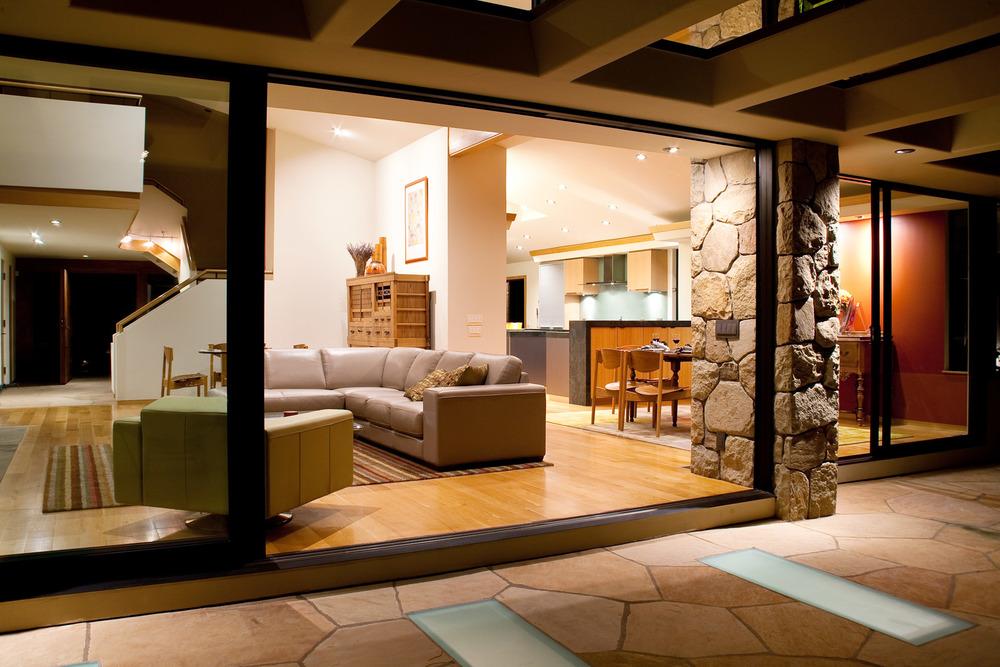 Interior_SantaBarbara.jpg