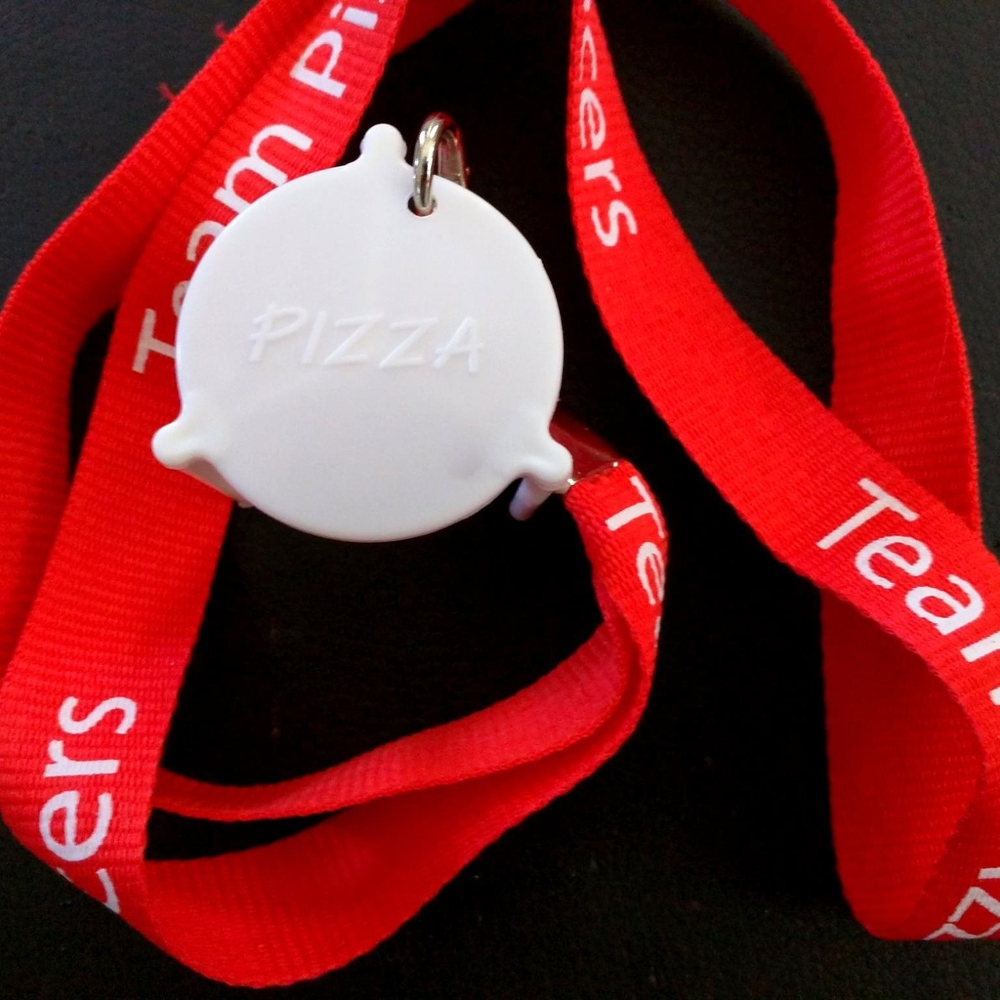 RANK 3 - SPECIAL GIFT: Pizza Table Medal + lanyard