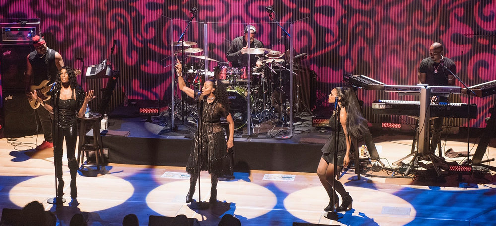 En Vogue performs at the 8th Annual In Concert with Caminar