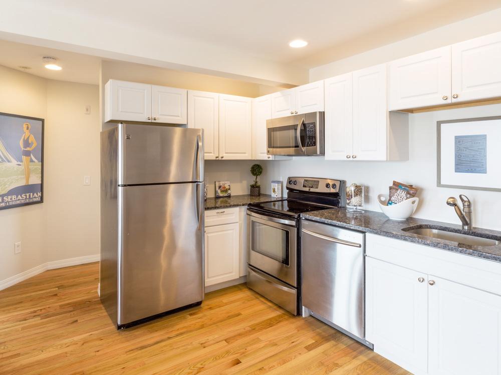 SHORELINE-PropertyUnits-Kitchen.jpg