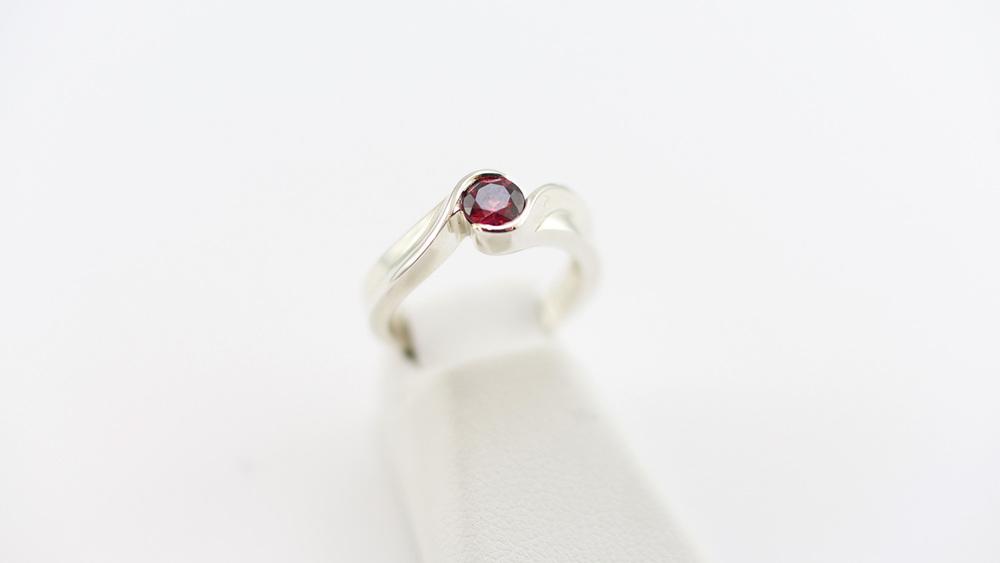 ring-red2.jpg