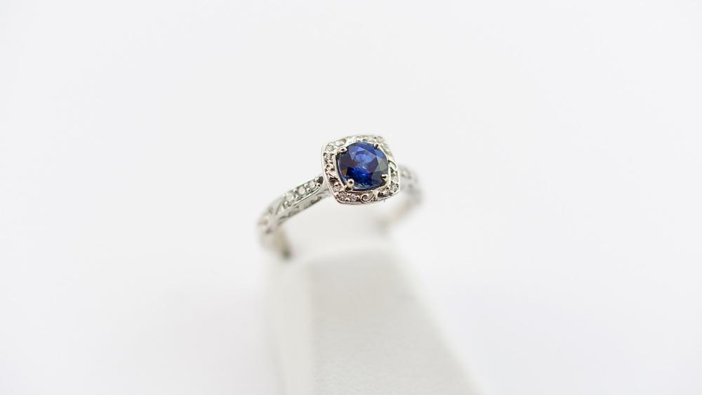 ring-saphire.jpg