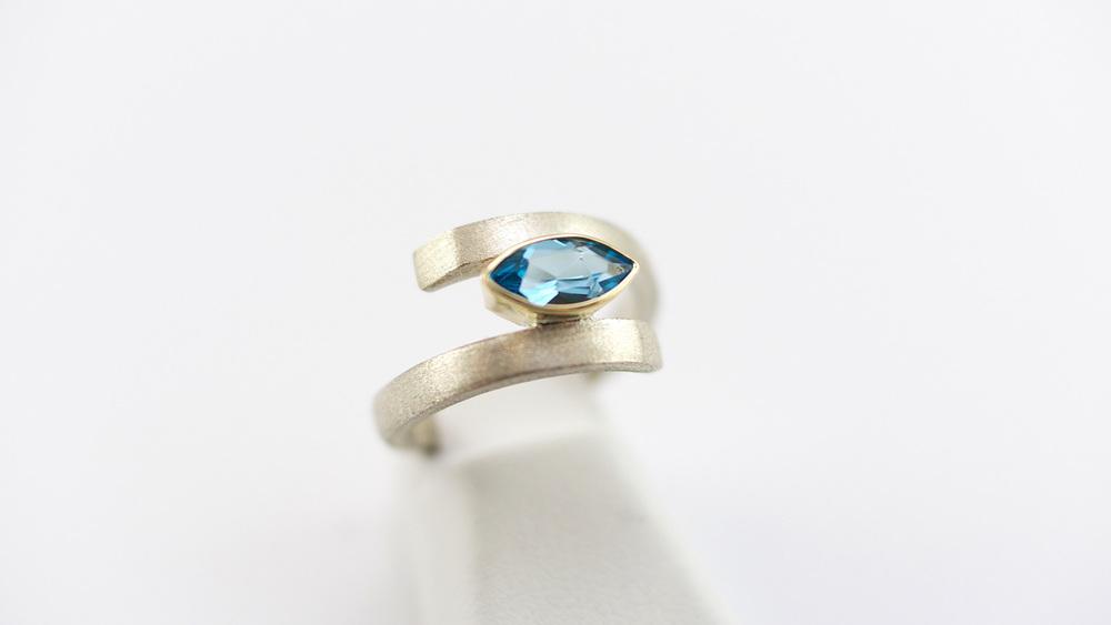ring-blue2.jpg