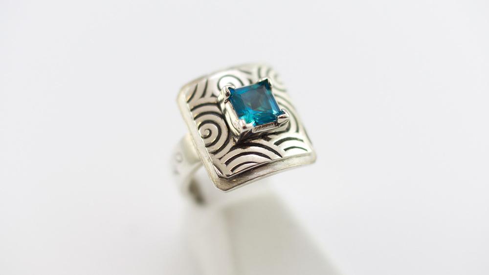 ring-blue.jpg