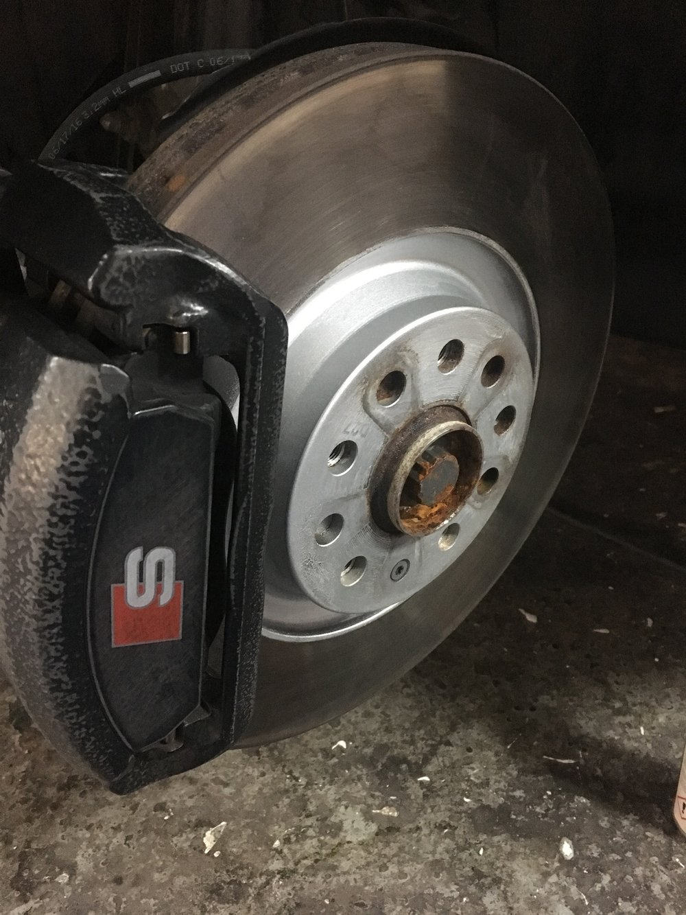 ORIGINAL AUDI CALIPERS BEFORE REFURBISHMENT