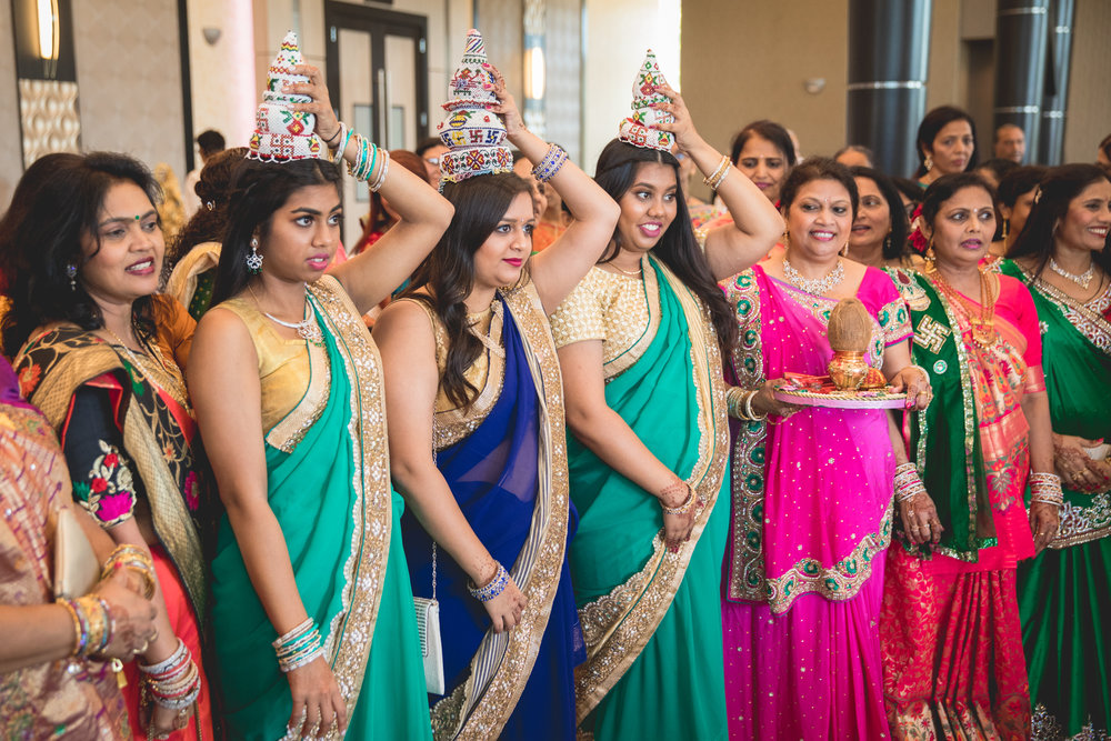 indian-bridesmaids-at-baraat.jpg