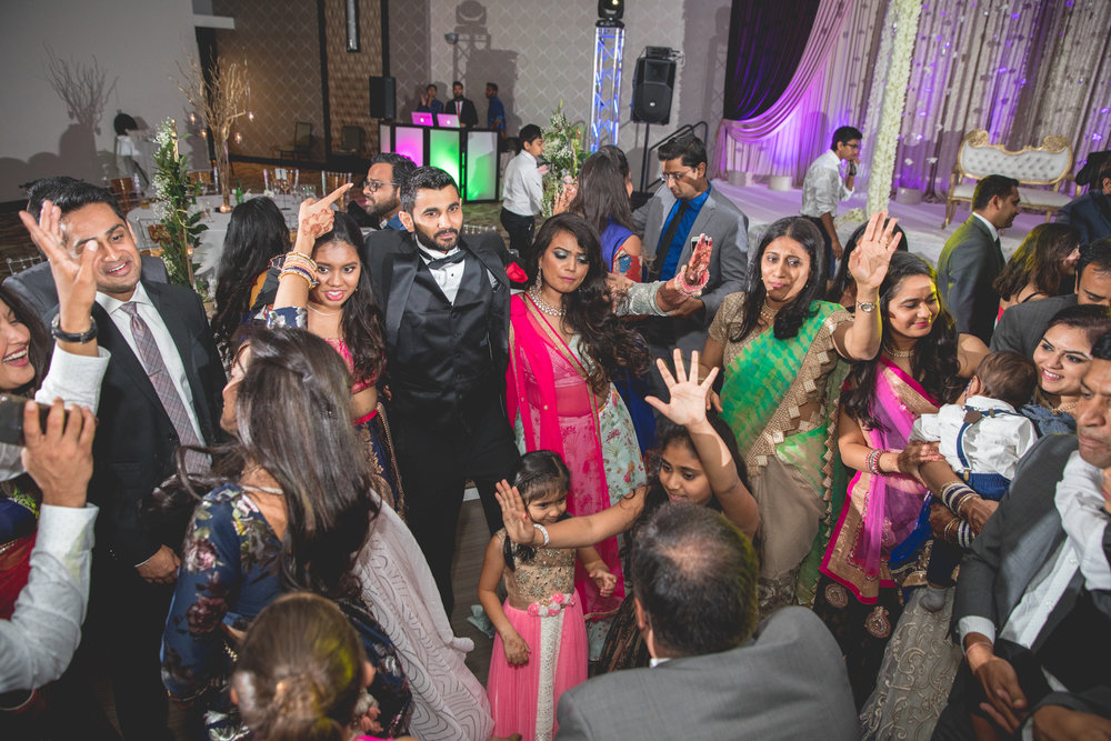 indian-wedding-group-dances.jpg
