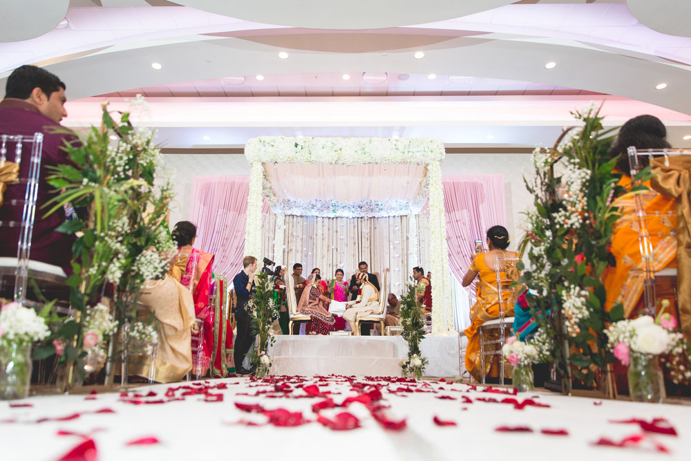 wide-angle-of-indian-ceremony.jpg