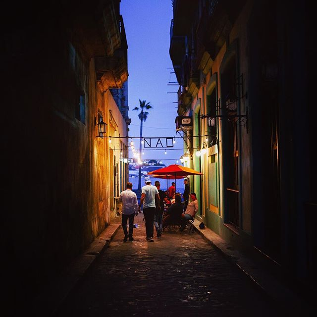 Finally finding time to slow down and edit the backlog. Missing those late #Havana nights with @postcardsandpolkadots ❤️. . . . . . #travelog #travelcuba #lovecuba #aroundtheworldpix #ig_masterpiece #instapassport #yngkillers  #loves_united_cuba #quietthechaos #thecreative #symmetricalmonsters #ilovecuba #rsa_streetview #cubalibre #campinassp #canonphotos #gearednomad #vscoportrait #unlimitedcuba #canonphotographer #mkexplore #urbanandstreet #theglobewanderer #flashesofdelight #mytinyatlas #uncalculated #canoneos #shotzdelight #visualmobs