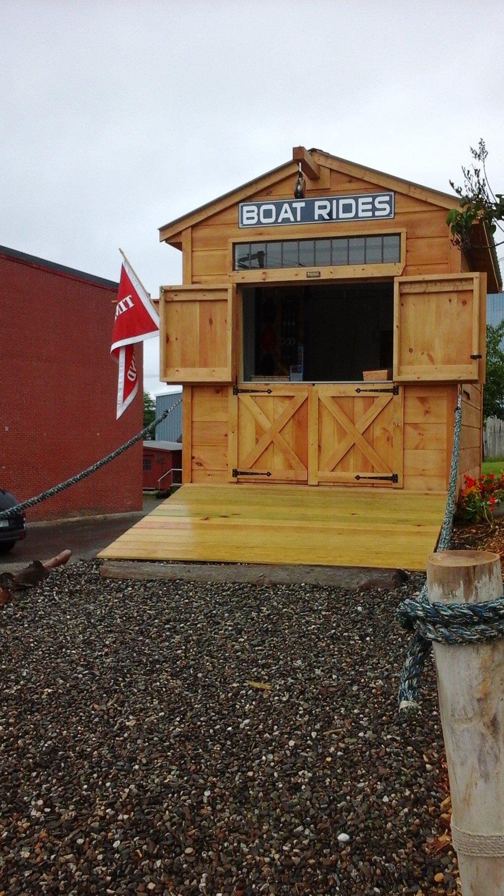 Maine Day sail ticketing kiosk & ship store =28 Main St. Belfast, maine, usa