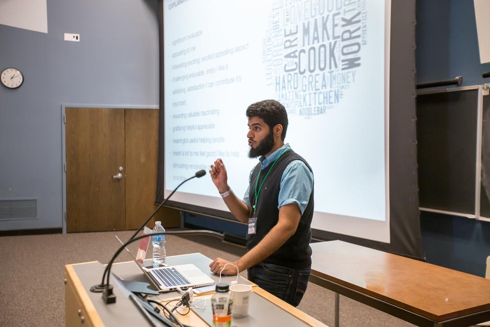 المهندس عبود العامودي يلقي محاضرة كيفية عمل خطابالغرض من القبول الجامعي