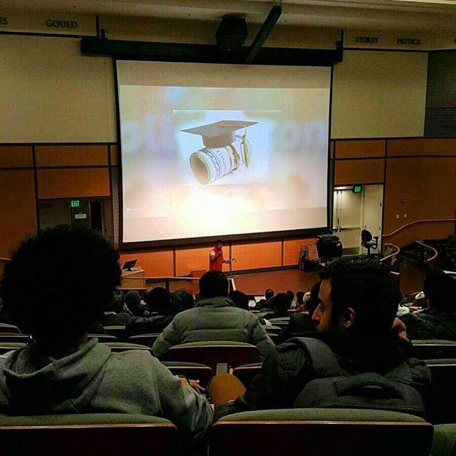 دورة القبولات #البيت_الخليجي سياتل و #كولجتون سعدنا بحضور١١٢رجل وامرأة وبإذن الله سنعمل جاهدين لقبولاتهم الجامعية #seattle #seattlegcc #سياتل