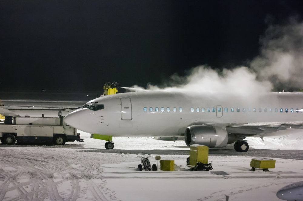 Runway Deicers - Liquid Potassium Acetate is a liquid aid in breaking the bond of the ice/snow to the surface. It meets FAA approved specification SAE AMS 1435C.Sodium Formate is able to melt ice and snow faster than urea and sodium acetate, sodium formate is effective at lower temperatures.