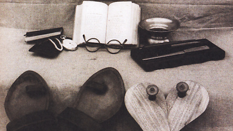 Think before you renovate: 9 reasons why you do not need more storage.  www.thoughtsonwhatmatters.com  Photo: Gandhi's possessions on his death
