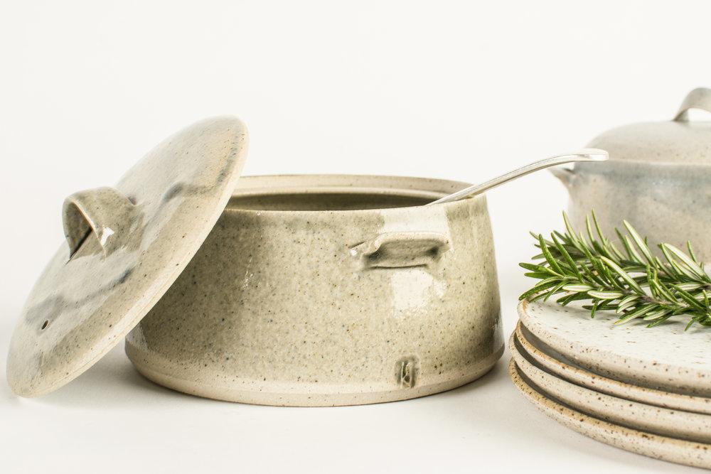 lidded cook pot close.jpg