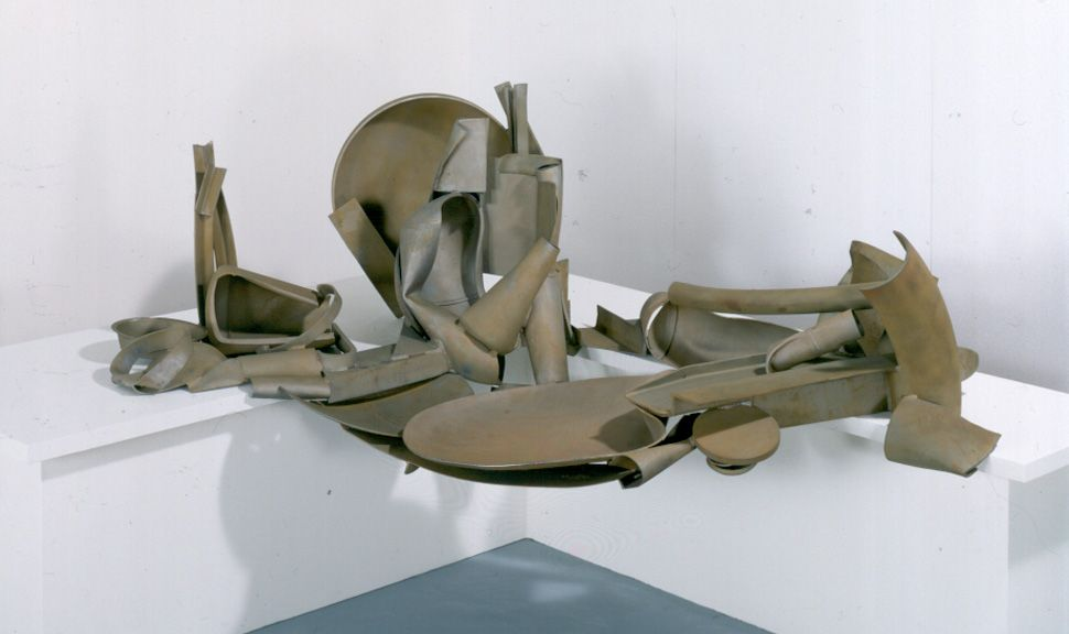 Anthony Caro,  Table Piece Y-98 'Dejeuner sur l'herbe II  1989, (John Riddy)