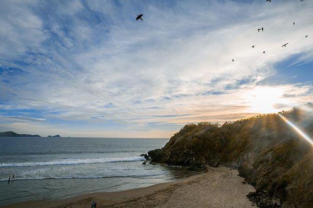 No me gusta la playa, de hecho no la aguanto. Pero no puedo decir lo mismo de sus atardeceres y el paisaje.