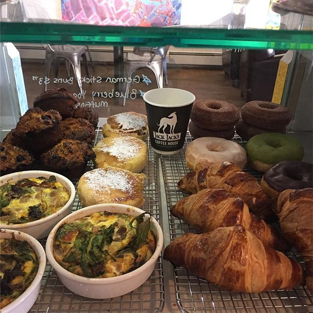 Breakfast is served! Treat yourself:) #germanstickybuns #blueberryyogurtmuffins #croissants #glazeddonuts #matchadonuts #frittatadujour #cafelife