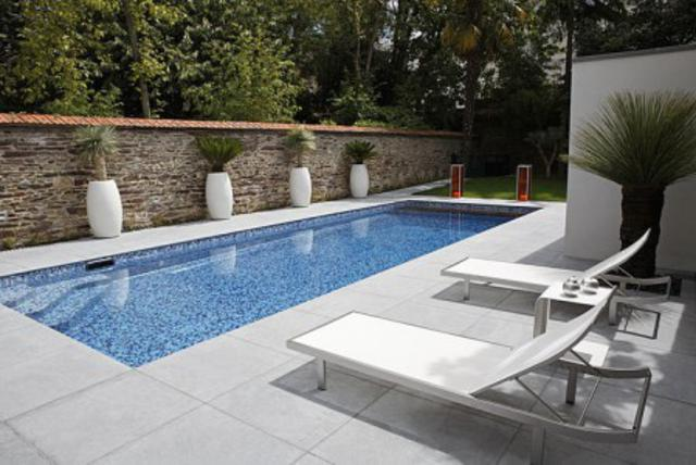 2012-best-concrete-swimming-pool-decorating-ideas-photos_640x428.jpg