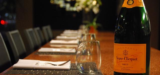 Toscano Bar with Verve Cluequot Brut